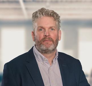 Michael Peterson, Marknads- och Investor Relationschef